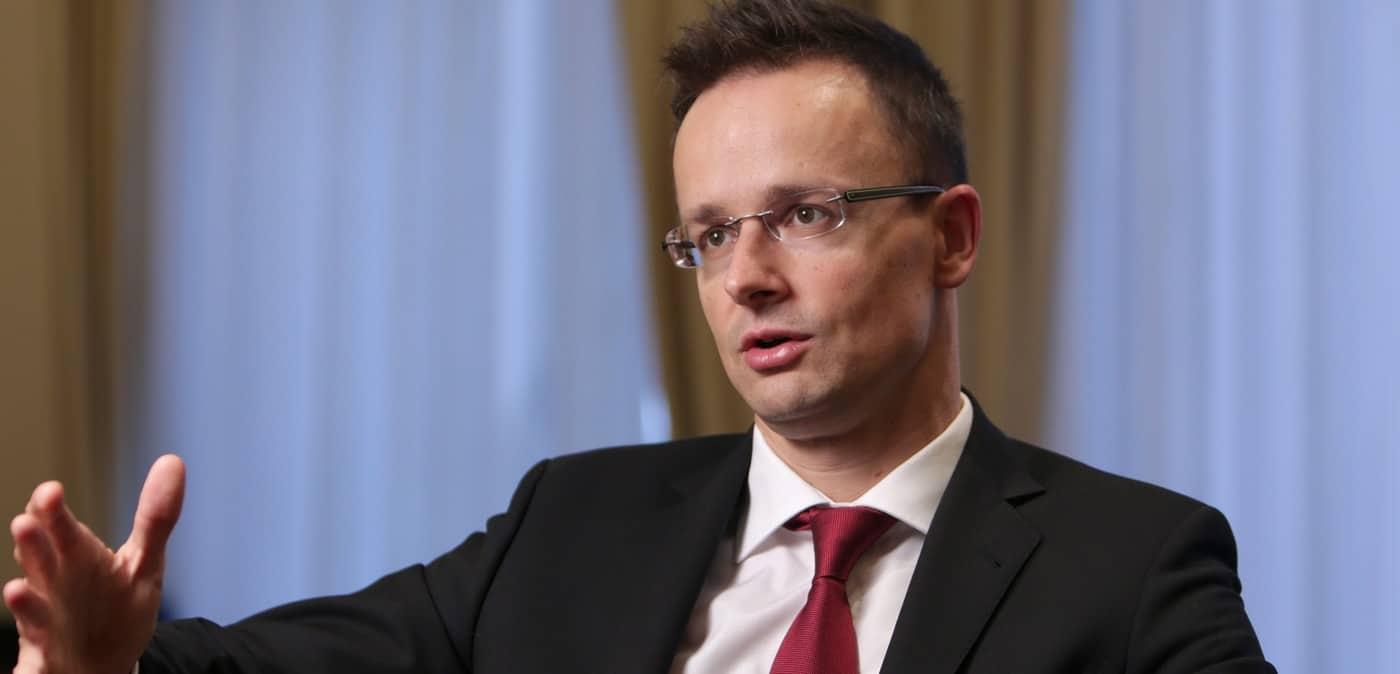 Szijjártó: Magyarország nem tűrheti, hogy az SZBU nyomást gyakorol a kárpátaljai magyarokra