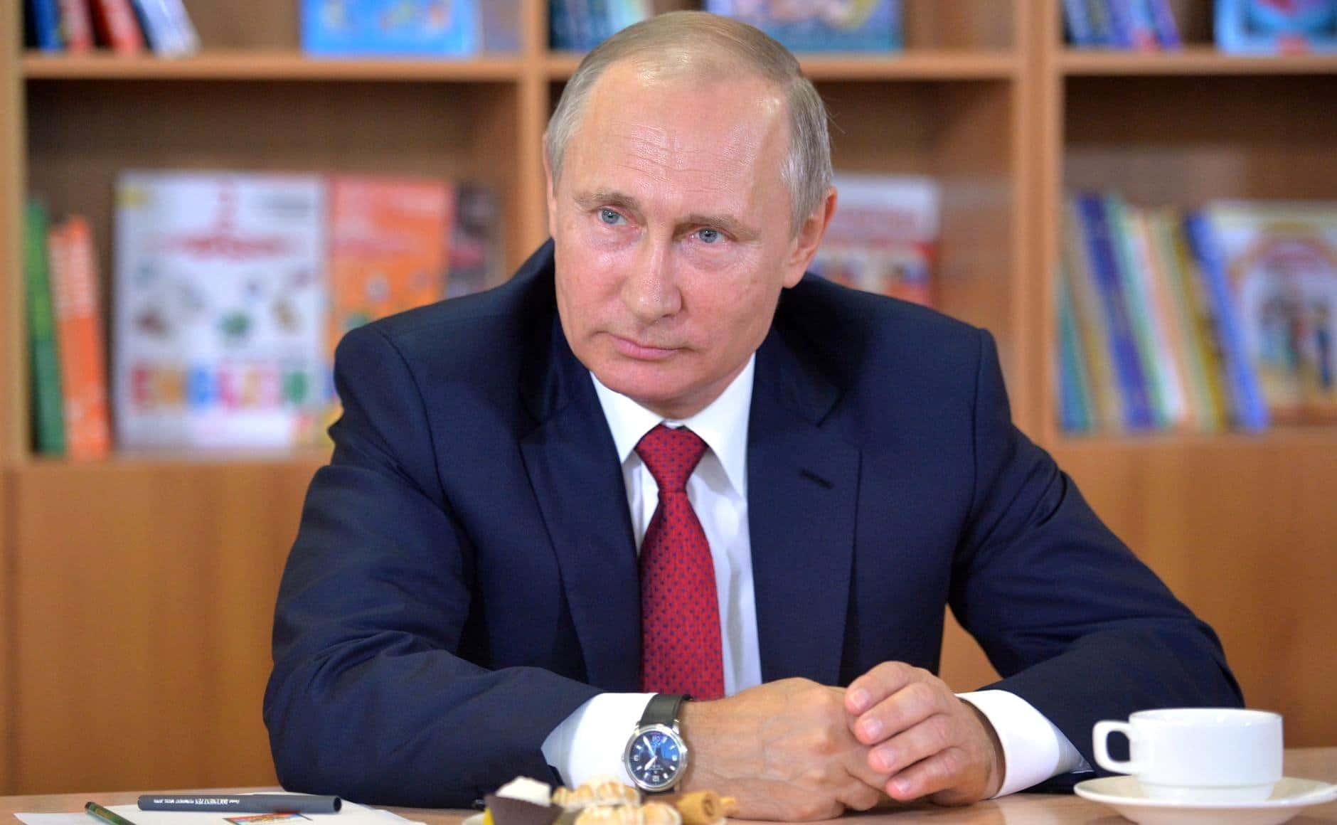 Putyin megvitatta a donecki és luganszki vezetőkkel a fogolycserére vonatkozó ukrán javaslatot