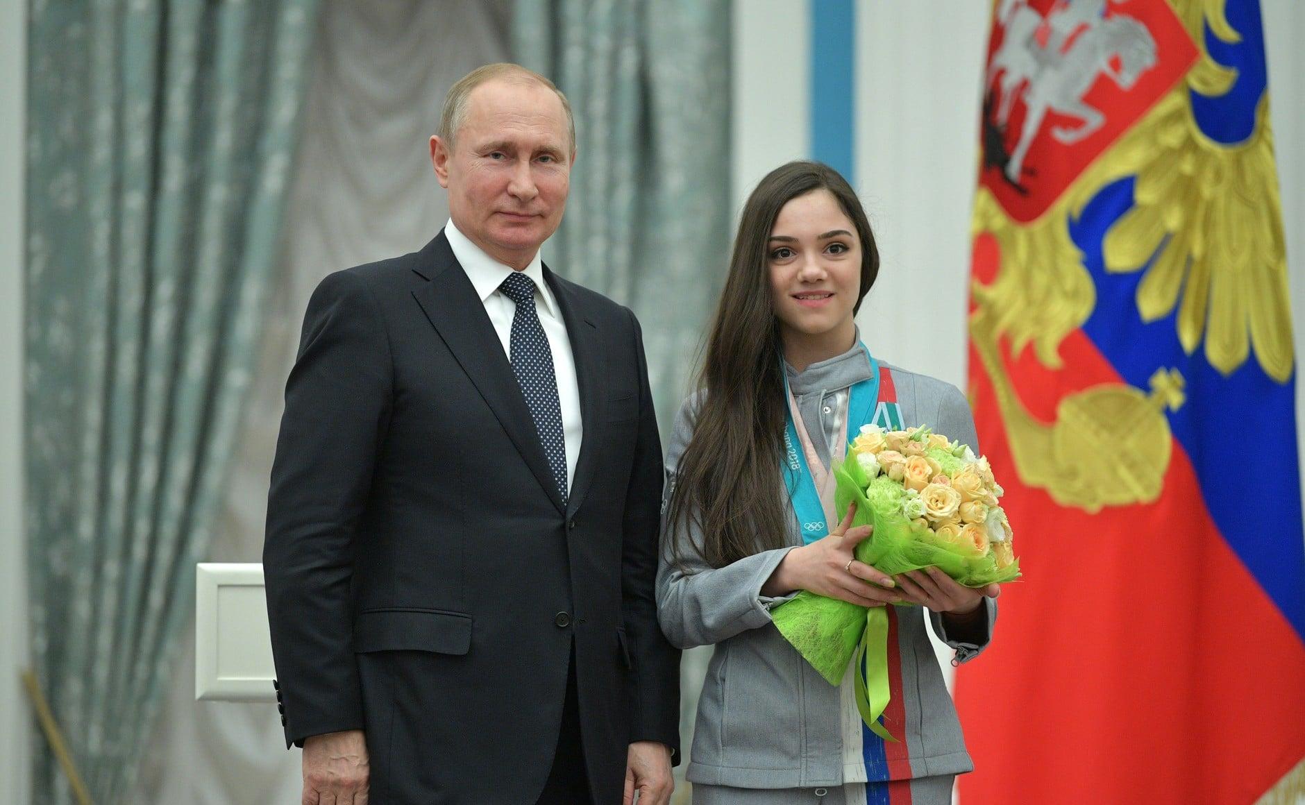Putyin kitüntette az érmes orosz olimpikonokat
