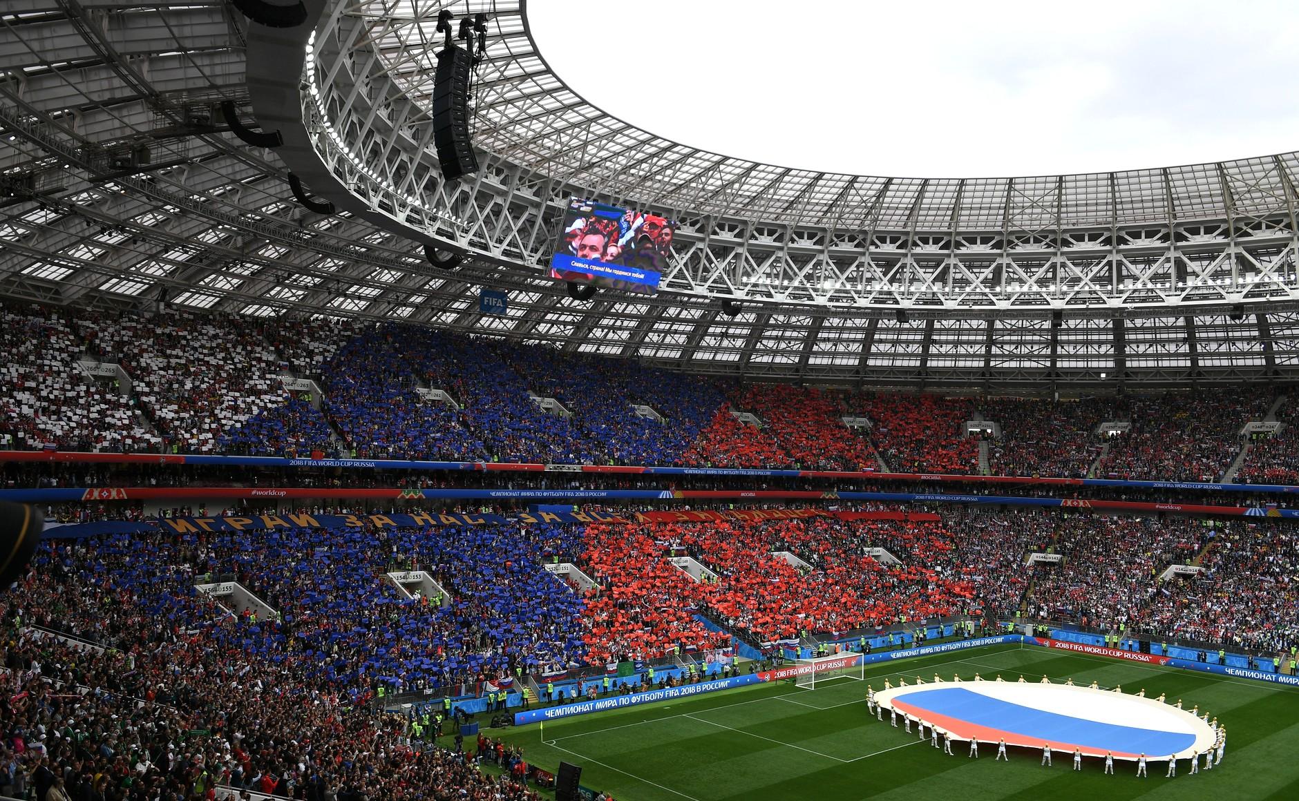 Medvegyev: Oroszországnak 200 milliárd rubel nyereséget hozott a vb