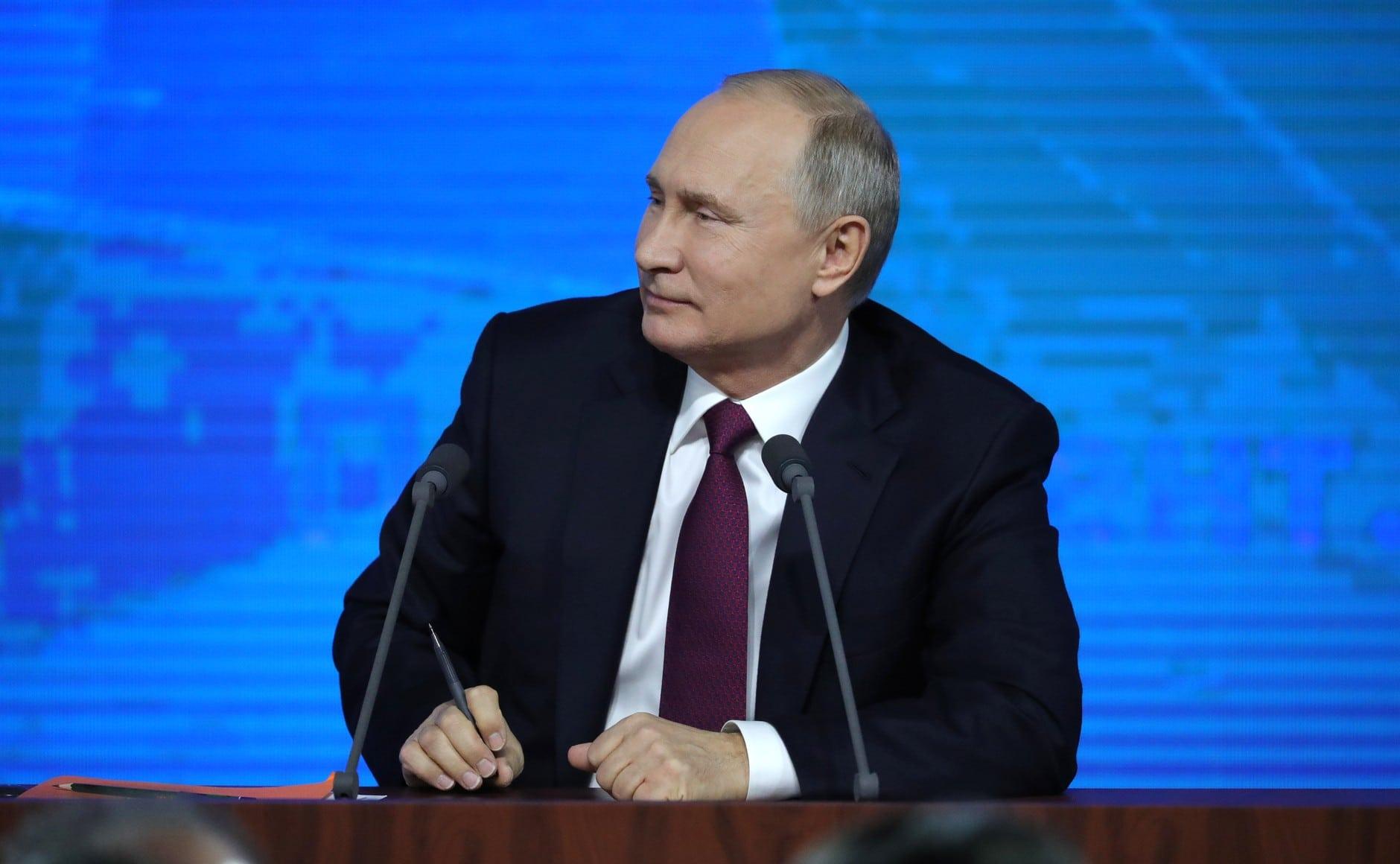 Telefonon beszélt Putyin és Zelenszkij a délkelet-ukrajnai rendezésről