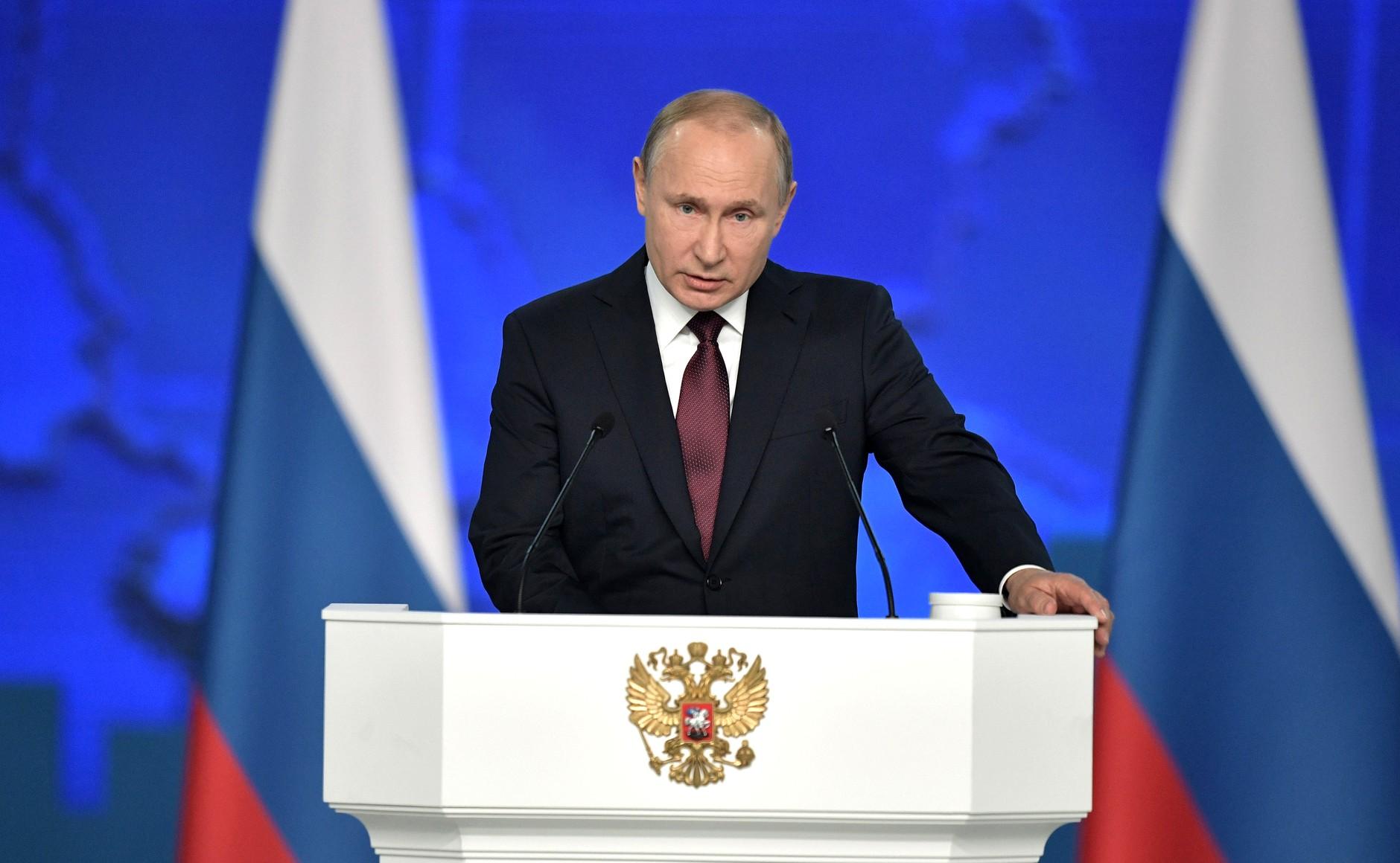 Putyin: 70 százalékra kell növelni a modern fegyverzetek arányát