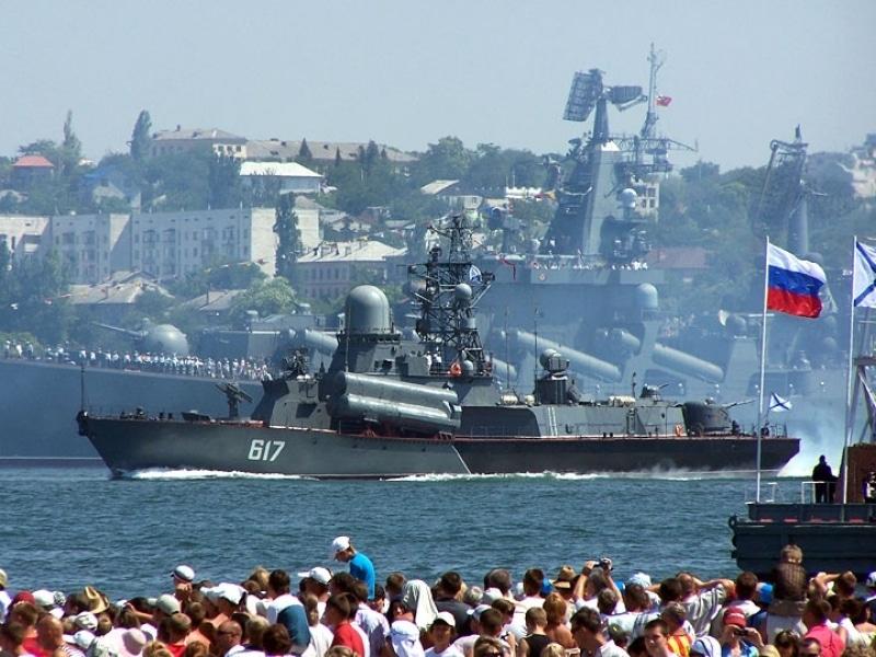 Videó: így ünnepelték a Haditengerészet Napját a Krímen