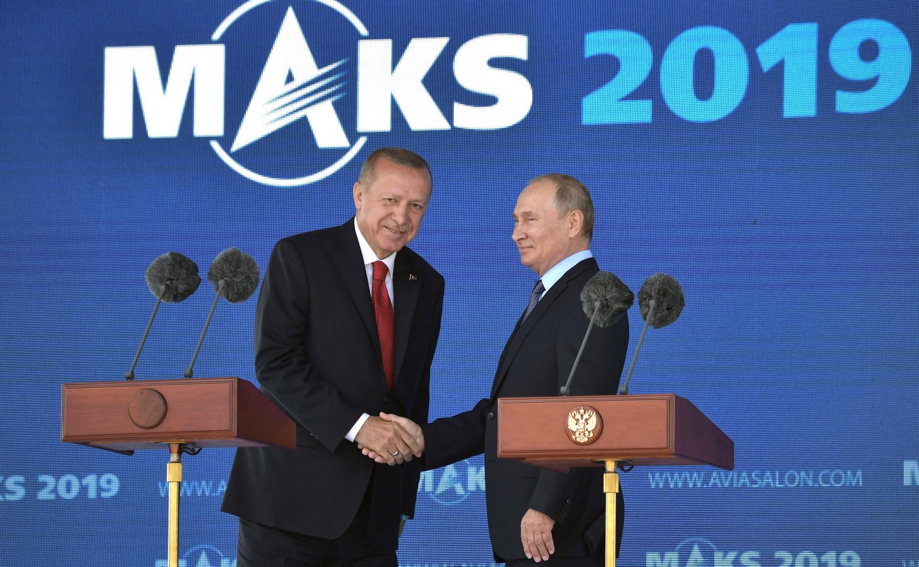 Putyin bejelentette az Sz-400-as rendszer újabb ütegének Törökországba szállítását
