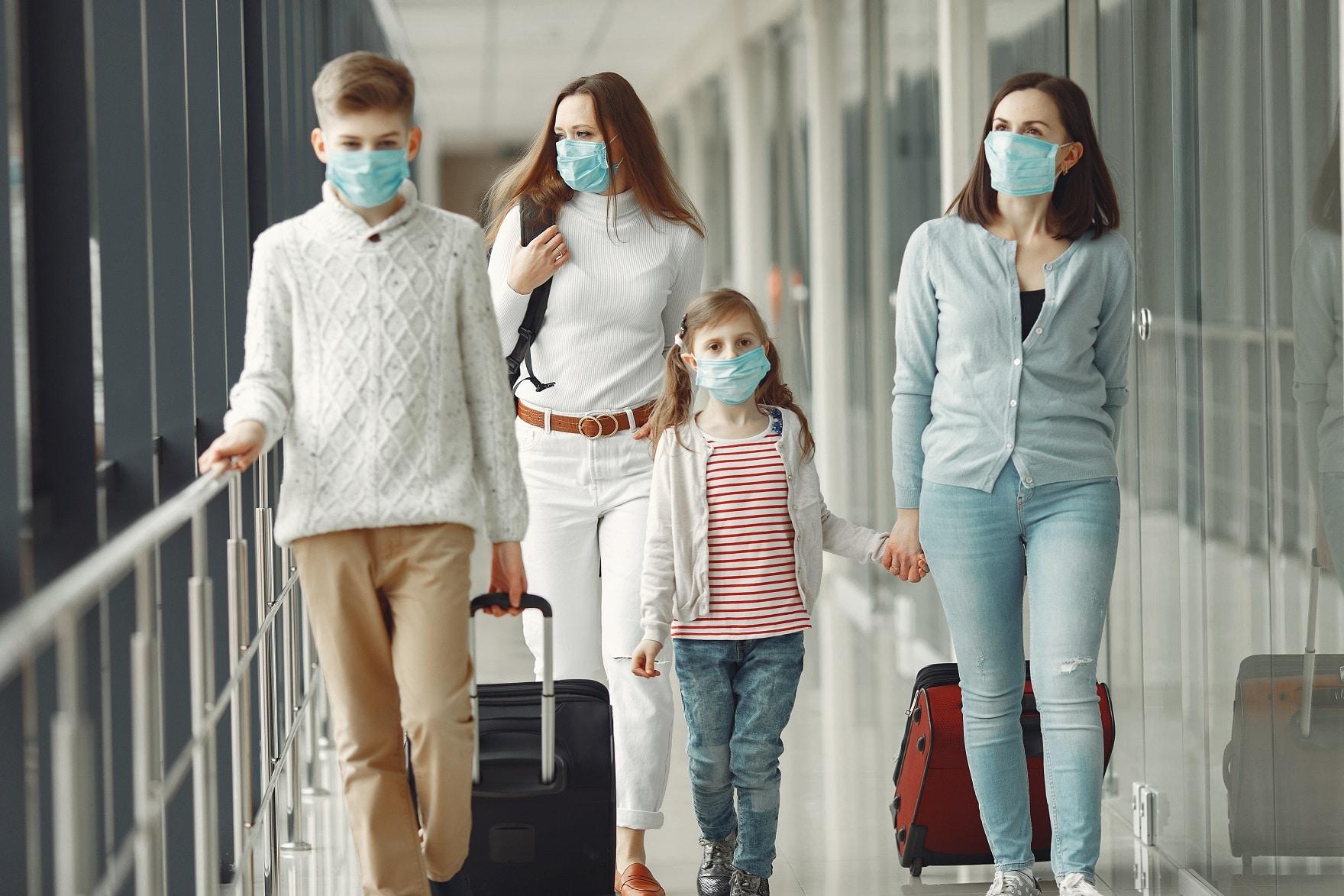Az orosz kormány feloldotta a maszkok és a védőruházat exportjára vonatkozó tilalmat