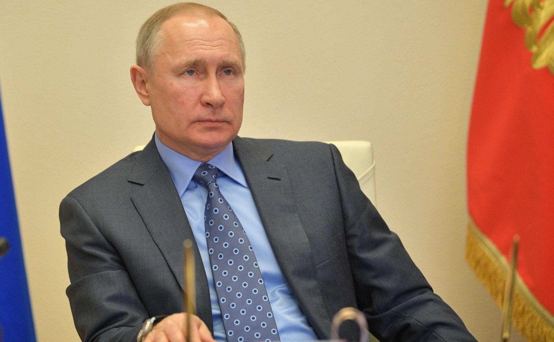 Putyin: sikerült lefékezni a fertőzés terjedését