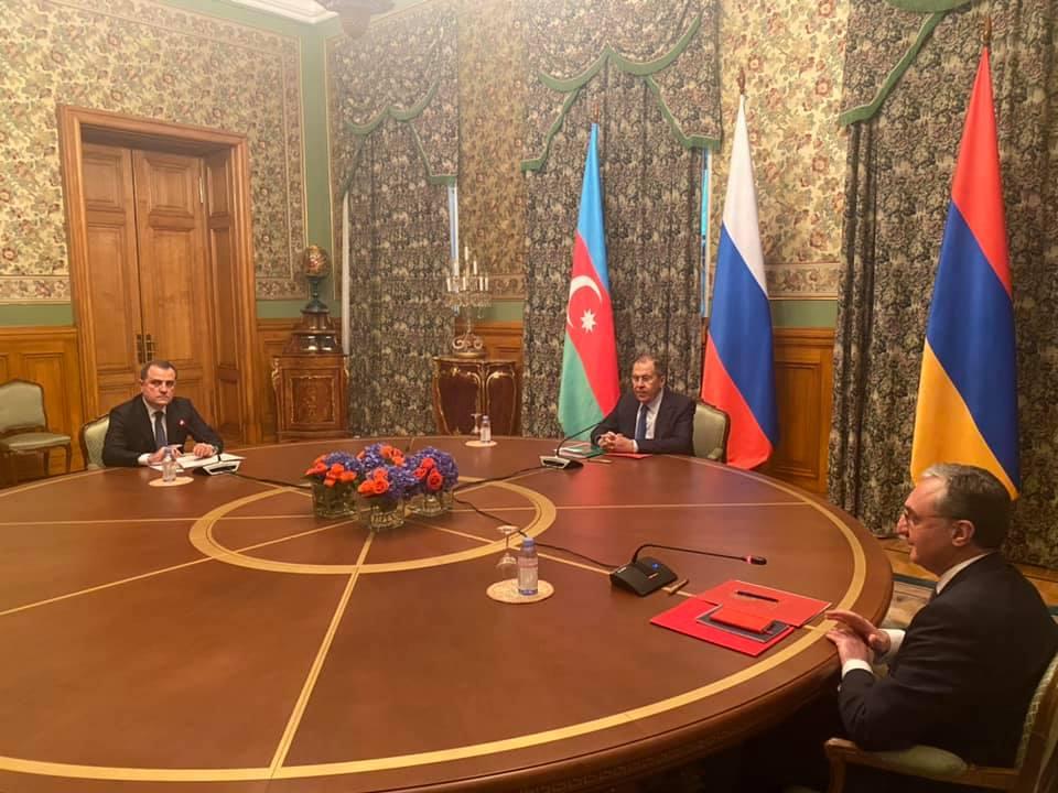 Putyin felhívására tűzszünetben állapodott meg Örményország és Azerbajdzsán